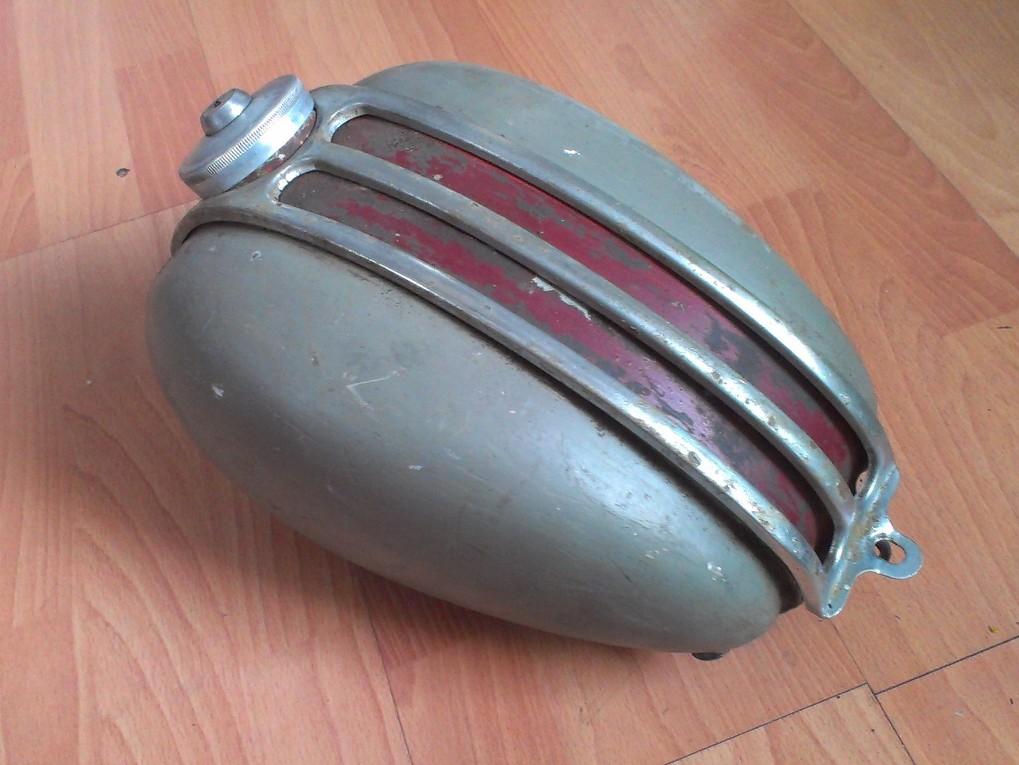 Żak / Ryś - zbiornik paliwa bak z kratką i zakrętką