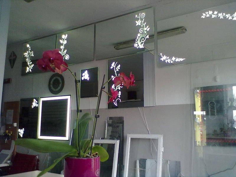 Lustra podświetlane LED na wymiar