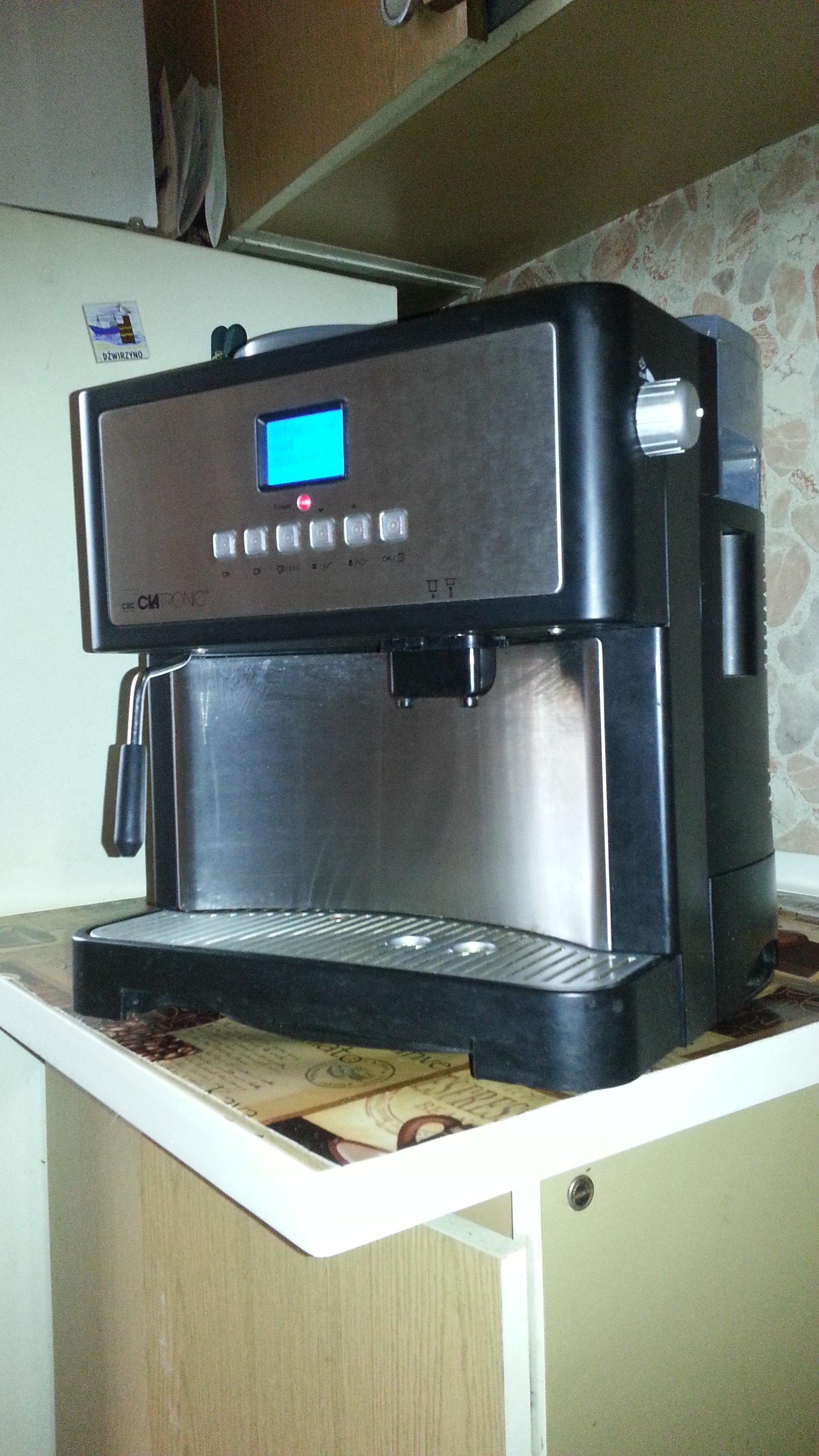 automatyczny ekspres do kawy clatronik KEV-3002   całkowicie sprawny