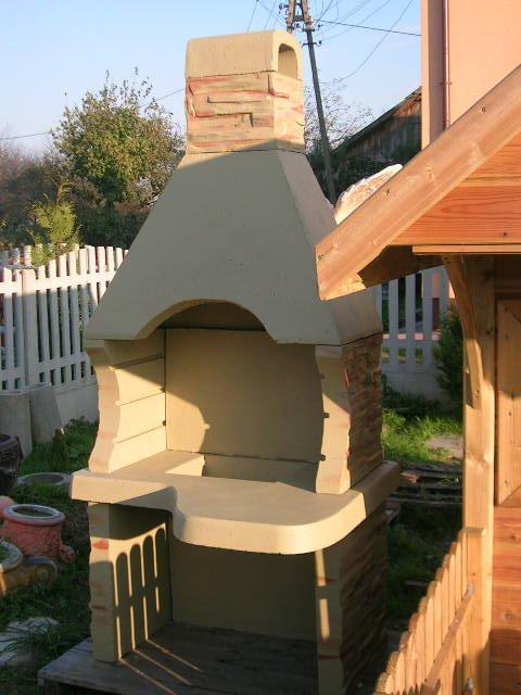 Grill ogrodowy kominek betonowy grillowanie