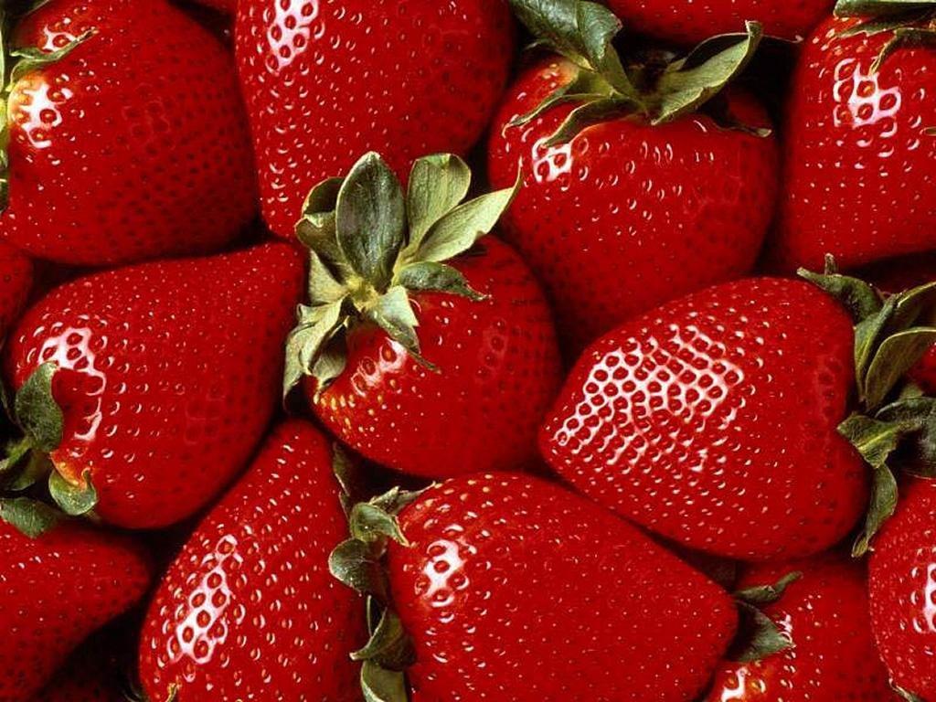 Praca przy sprzedaży truskawek !!!