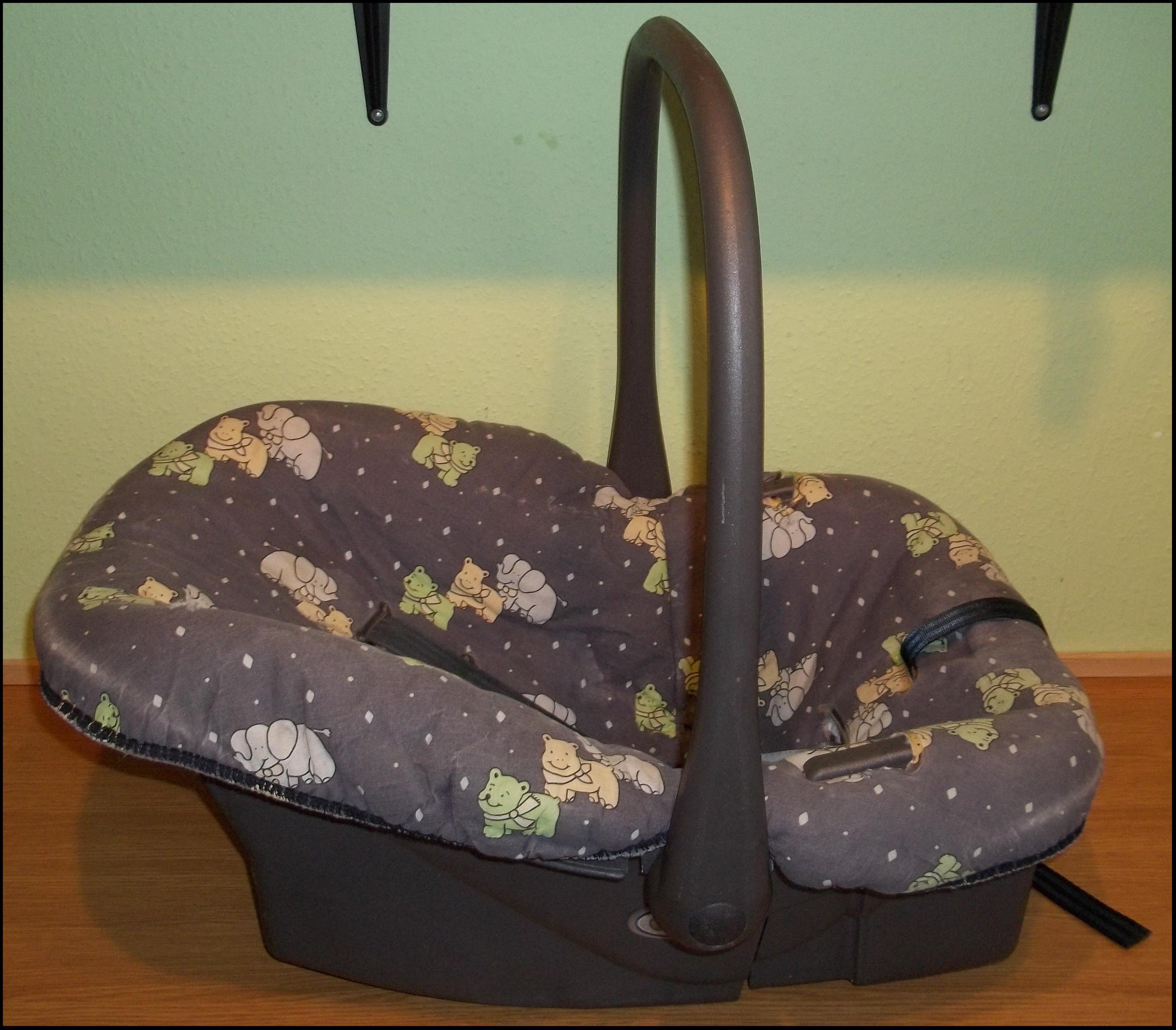 Nosidełko, kołyska i fotelik do samochodu w jednym
