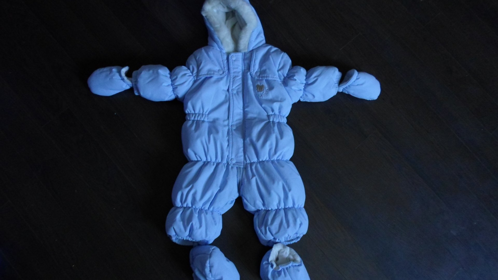 sprzedam kombinezon na zimę dla niemowlaka, nowy