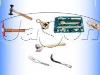 Markowe narzędzia blacharskie - babki, nożyce, młotki w konkurencyjnych cenach