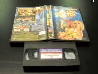 EARTH GIRL ARE EASY - VHS Kaseta Video - Opole 0702