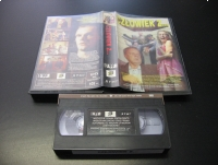 CZŁOWIEK Z - ARTUR BARCIŚ - VHS Kaseta Video - Opole 0822