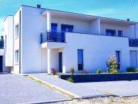 Dom z garazem i tarasem  blisko Opola