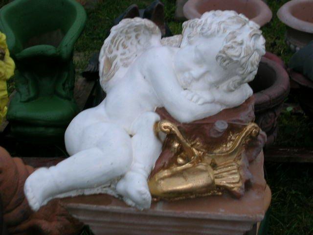 Aniołek figurka z betonu Amorek ozdoba rzeźba nowy