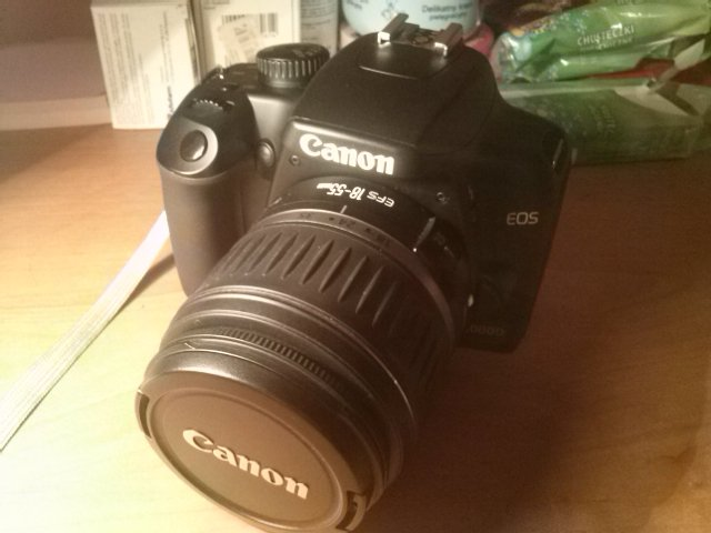 Canon 1000D + kit 18-55mm + 35-80mm + torba !