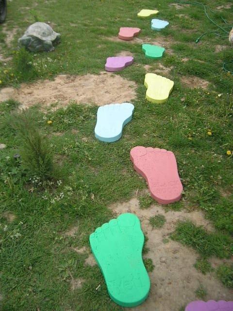 Chodnik płytki betonowe stopy Yeti prawa lewa kpl