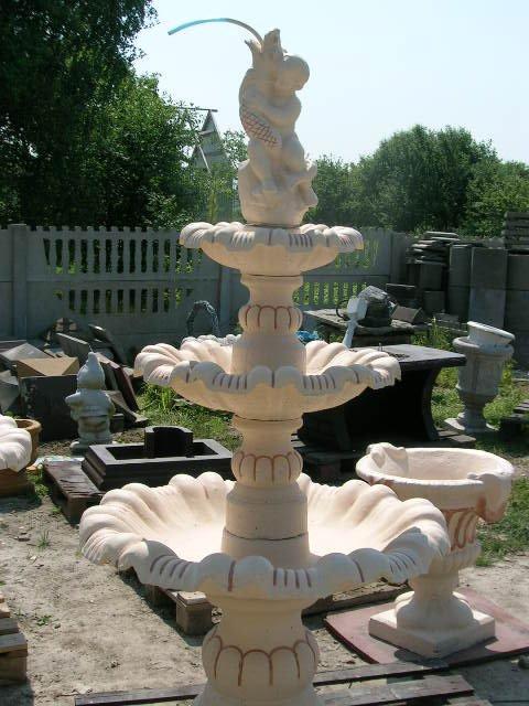 Fontanna CHŁOPIEC Z RYBKĄ fontanna ogrodowa