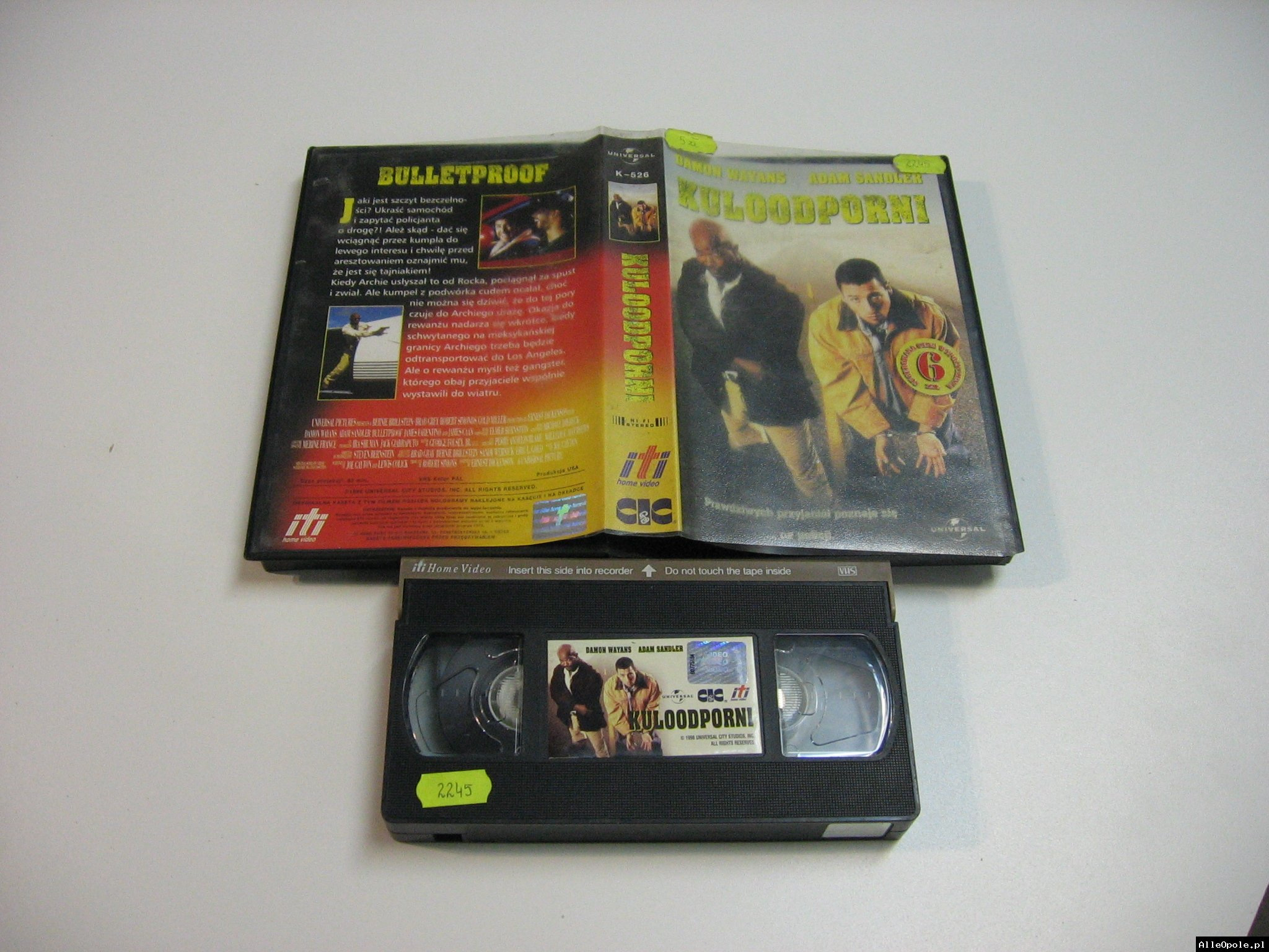 KULOODPORNI - VHS Kaseta Video - Opole 1826