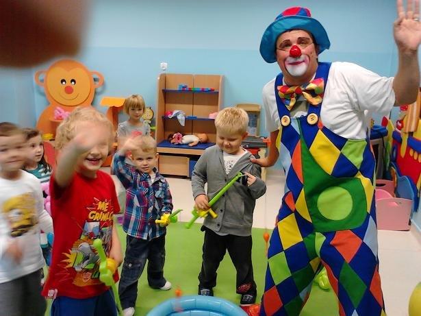 Klaun-urodziny dla dzieci do małego mieszkania - tanio i solidnie 3 warianty