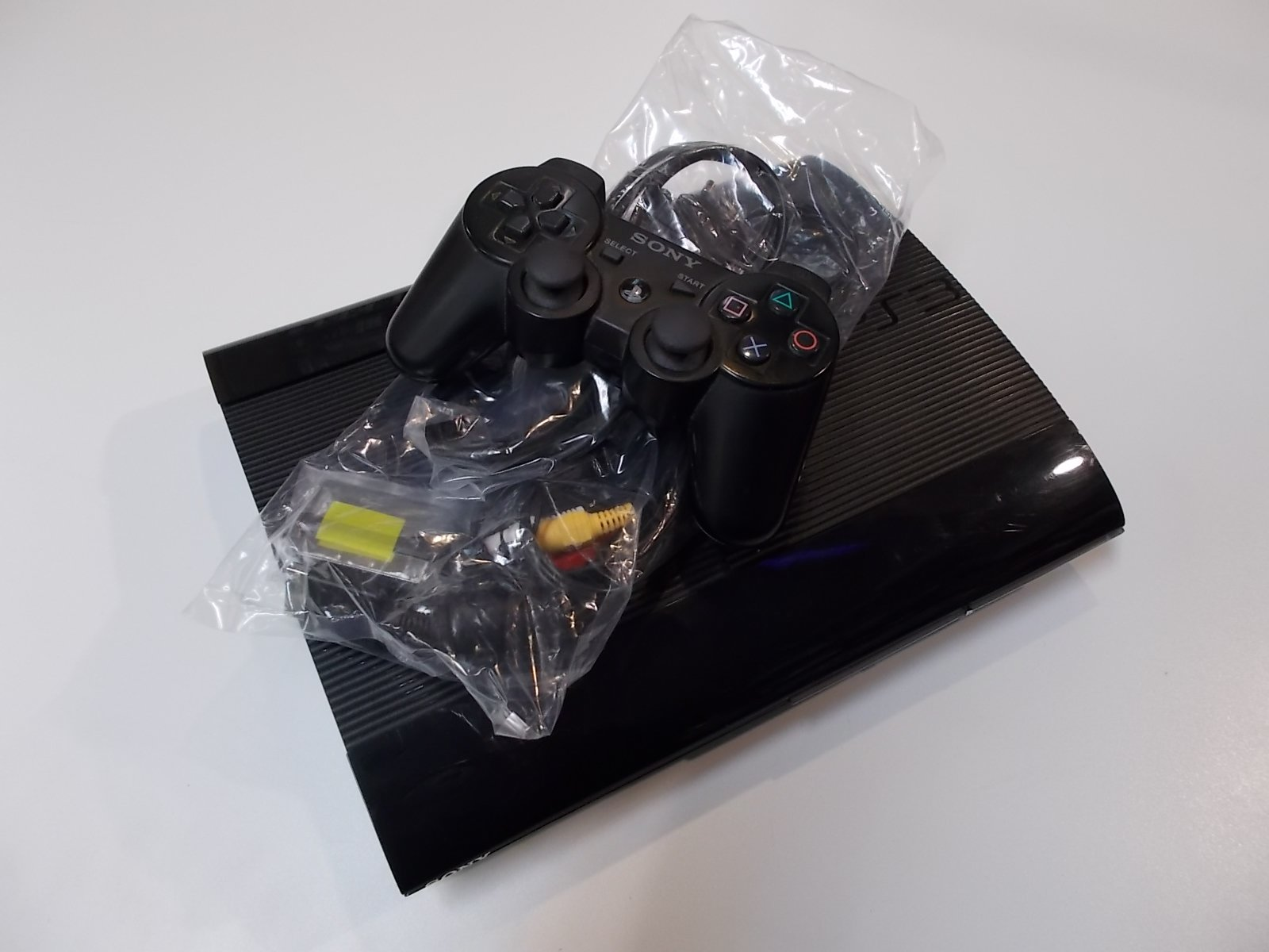 Konsola PlayStation 3 Ps3 Superslim 500GB + Pad - Opole