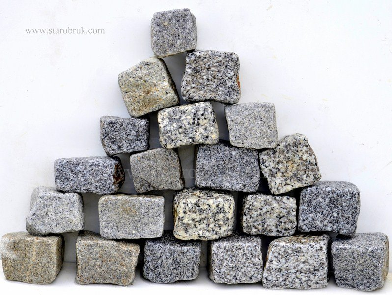 Kostka granitowa 4/6 otoczona szary mix starobruk producent Wrocław