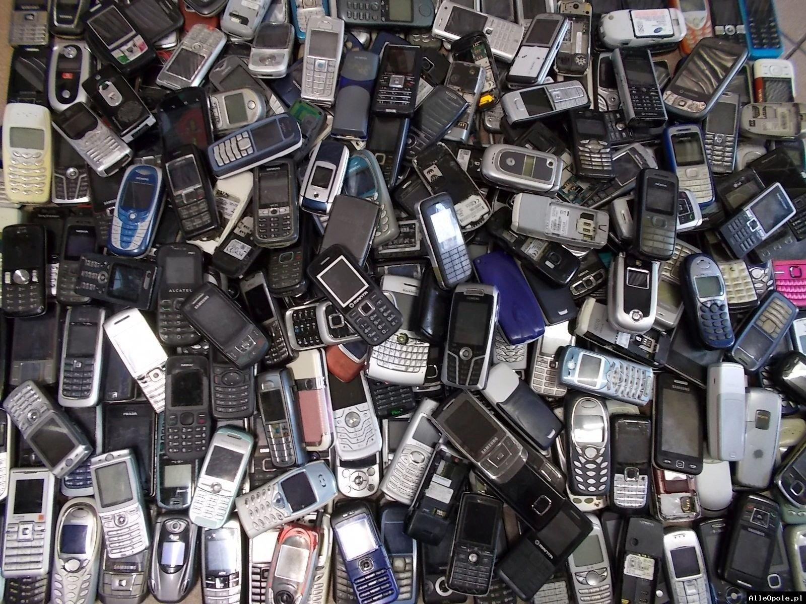 Kupię stare i nowe telefony sprawne i uszkodzone złom telefoniczny - Opole