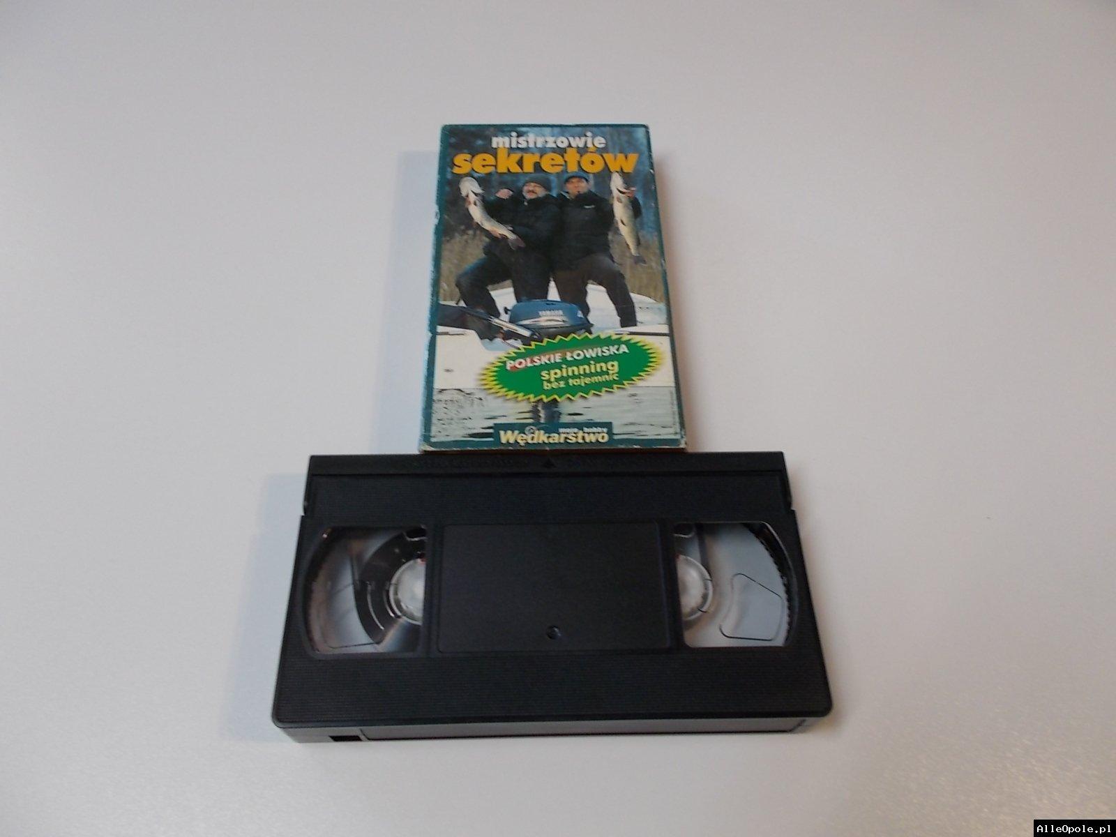 MISTRZOWIE SEKRETÓW SPINNING - VHS Kaseta Video - Opole 1698
