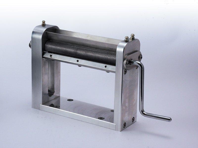 Maszynka do cięcia ziół i tytoniu na łożyskach TREZO 160 0,8 V3