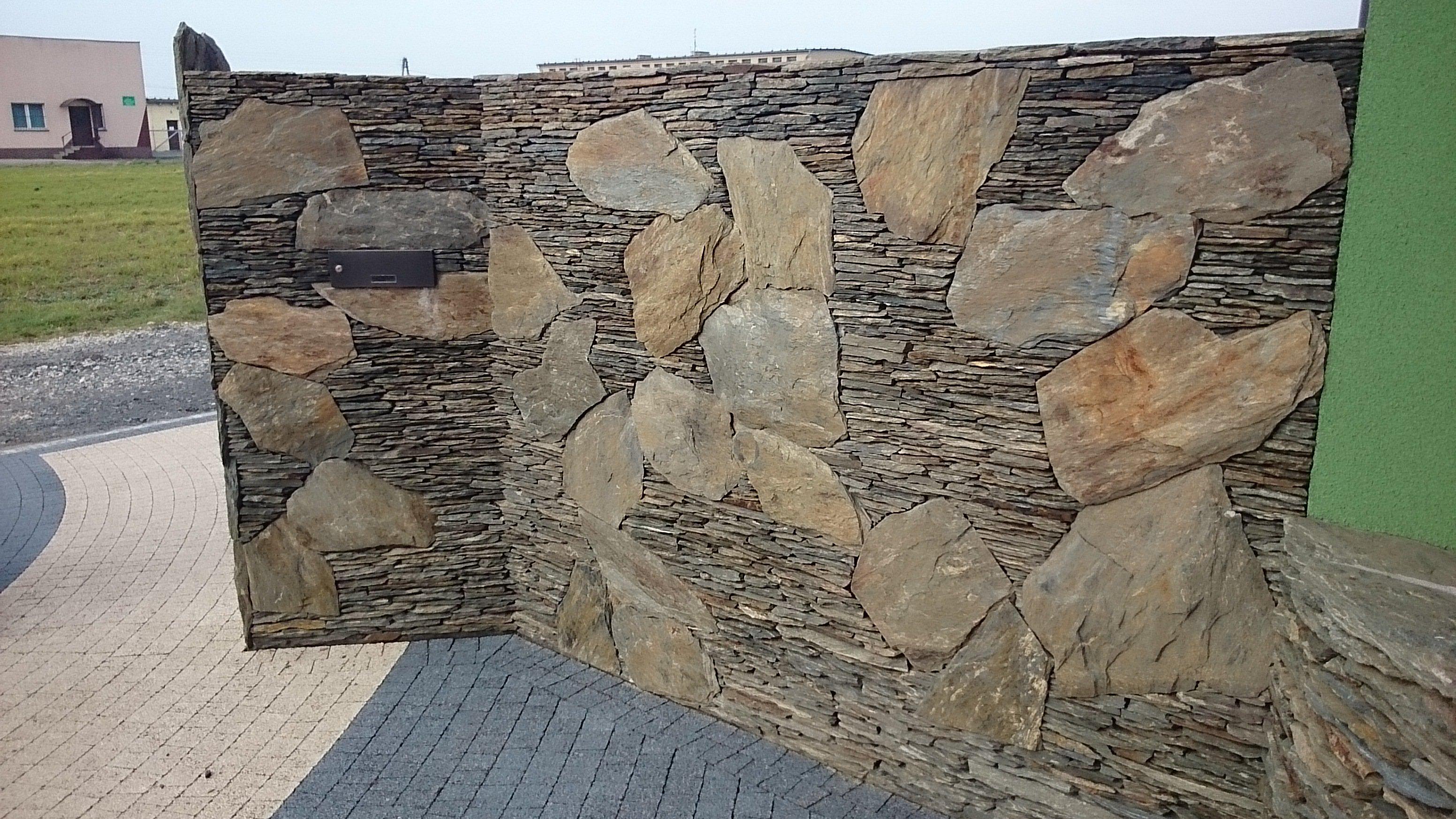 Ogrodzenia z kamienia naturalnego.