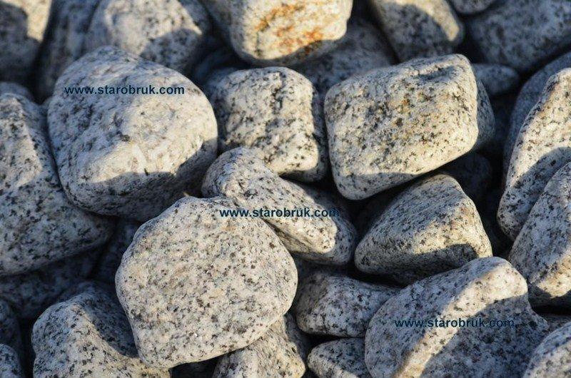 Otoczak granitowy łaciaty nakrapiany dalmatyńczyk do ogrodu kamień naturalny grys