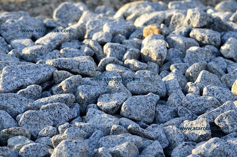 Otoczak granitowy łaciaty nakrapiany dalmatyńczyk do ogrodu kruszywa kamień naturalny