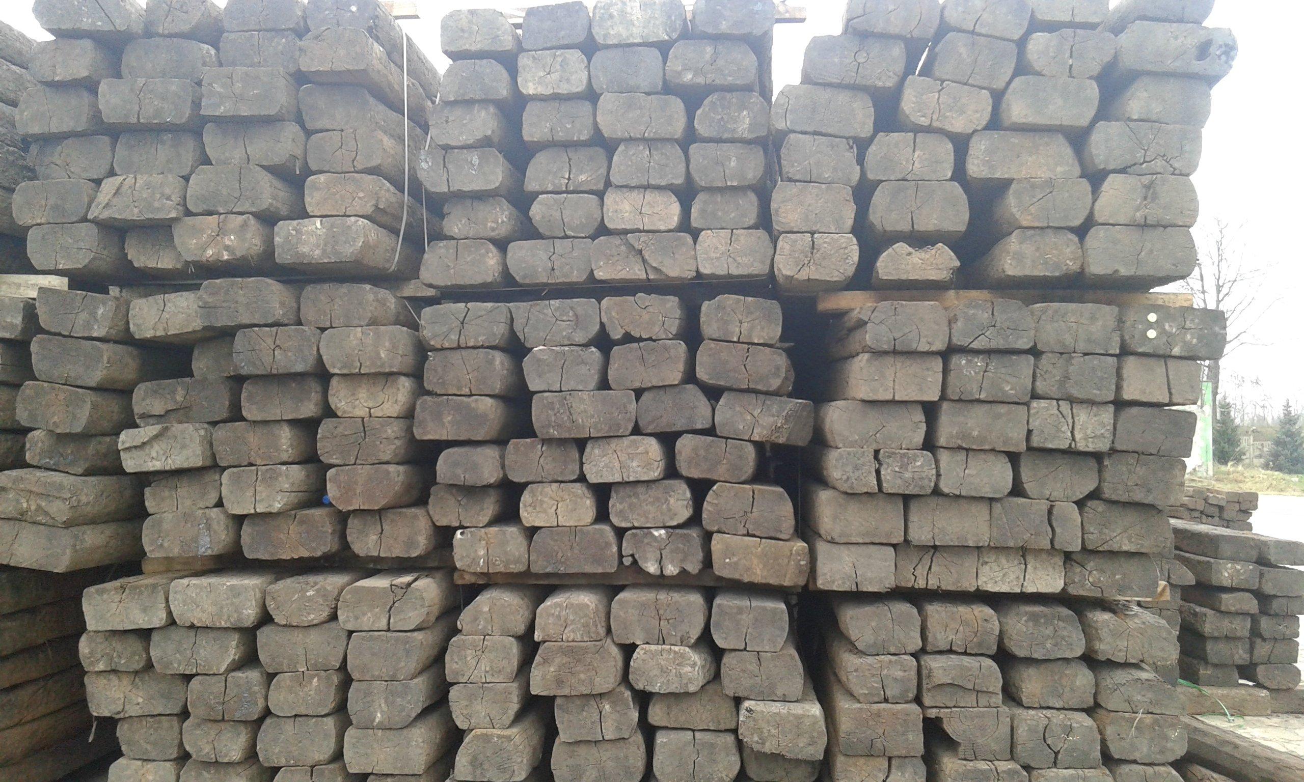 Podkłady drewniane belki do aranżacji w ogrodzie