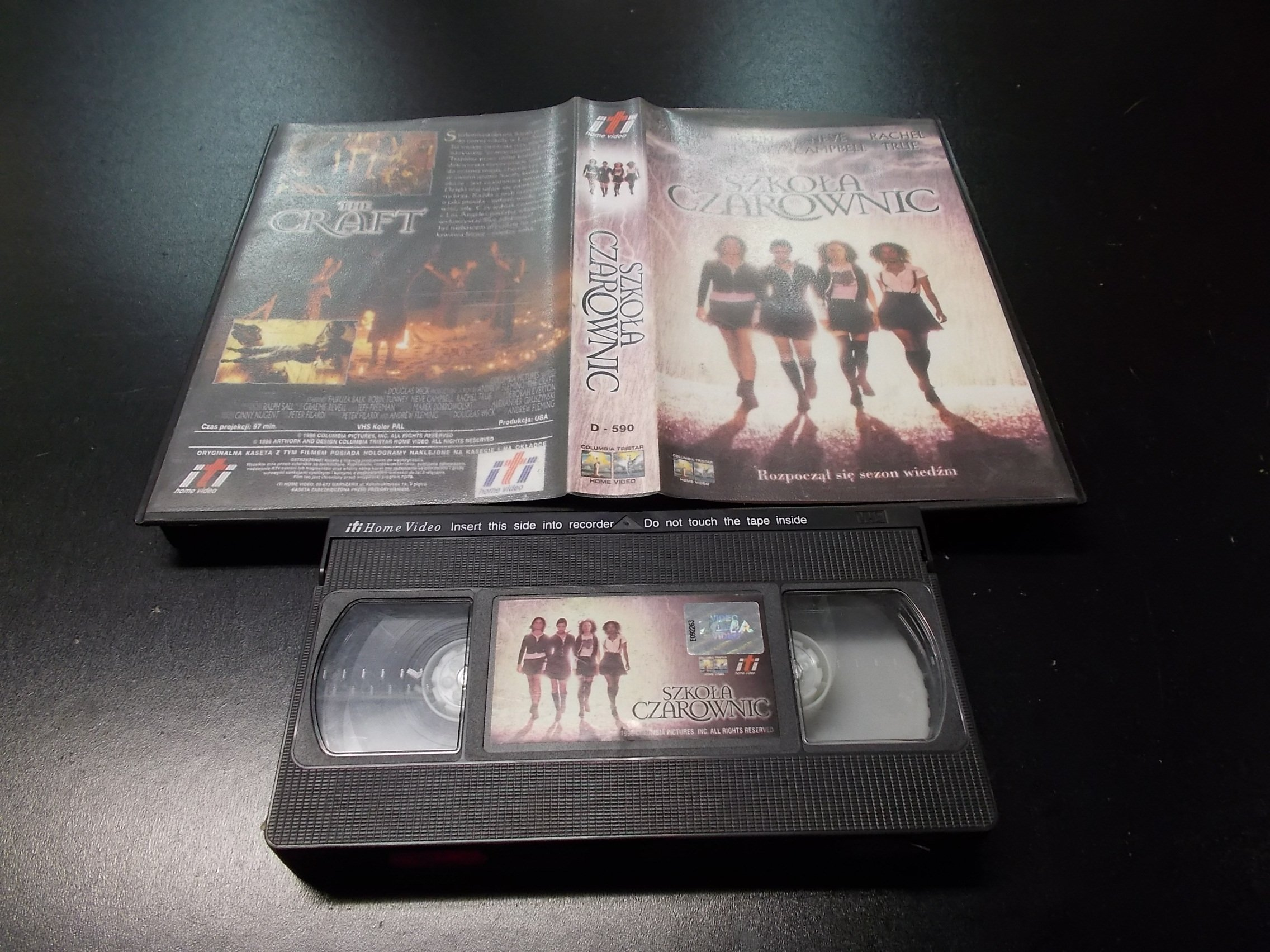 SZKOŁA CZAROWNIC -  kaseta VHS - 1178 Opole - AlleOpole.pl