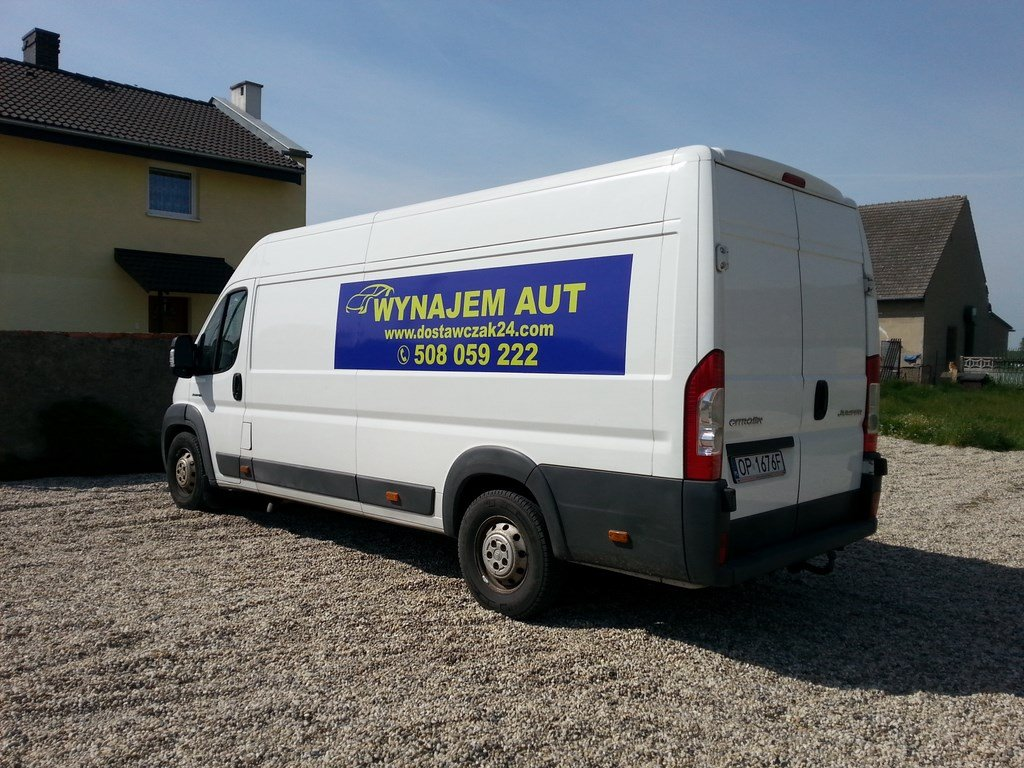 WYNAJEM samochodow dostawczych WYPOZYCZALNIA dostawczak transport przeprowadzki