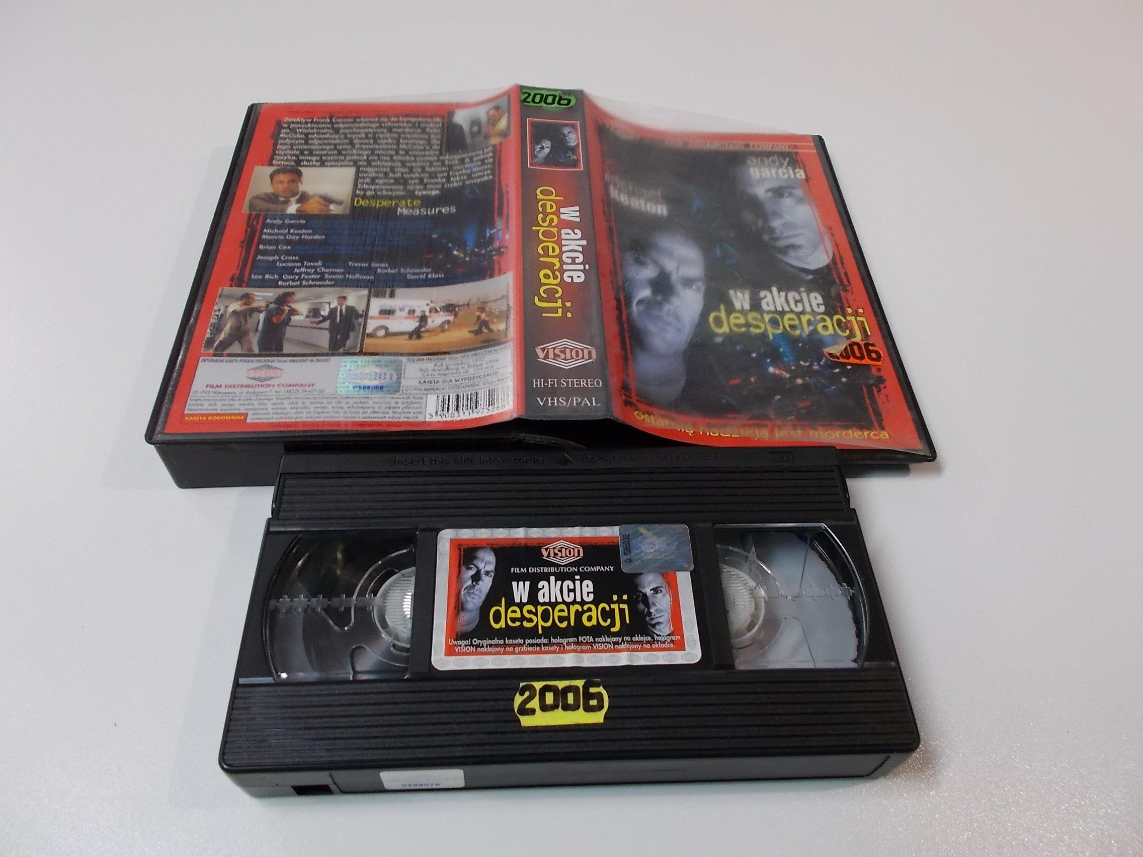 W AKCIE DESPERACJI - VHS Kaseta Video - Opole 1607